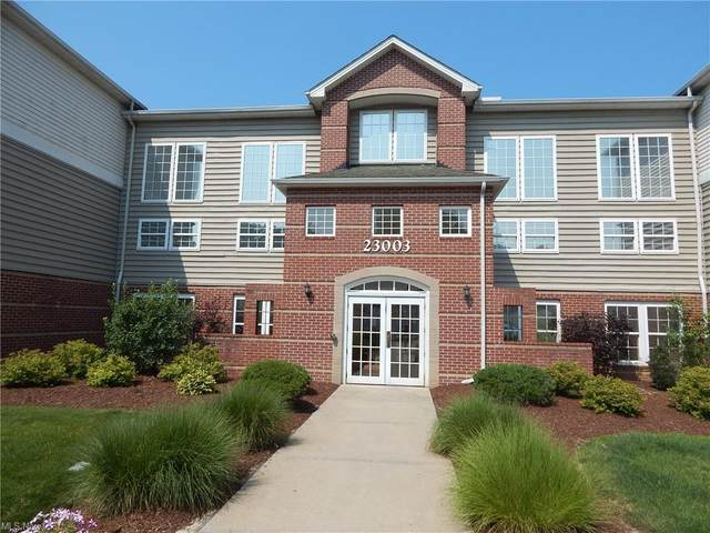 23003 Chandlers Lane #112, Olmsted Falls, OH 44138 (MLS #4302603) :: The City Team