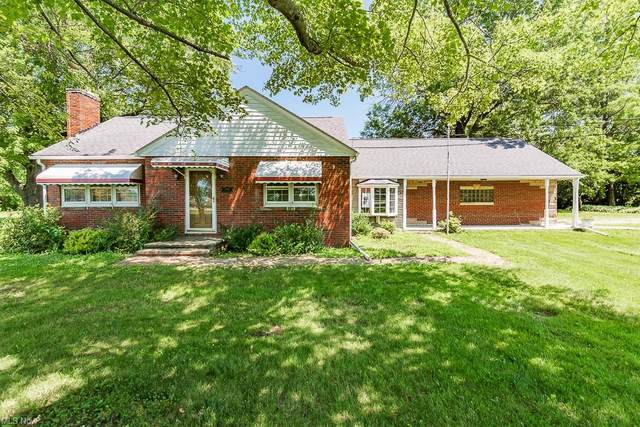 2968 N County Line Road, Geneva, OH 44041 (MLS #4302665) :: The Holly Ritchie Team