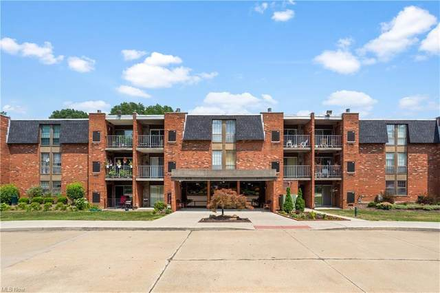 4179 Columbia Road #213, North Olmsted, OH 44070 (MLS #4302789) :: The City Team