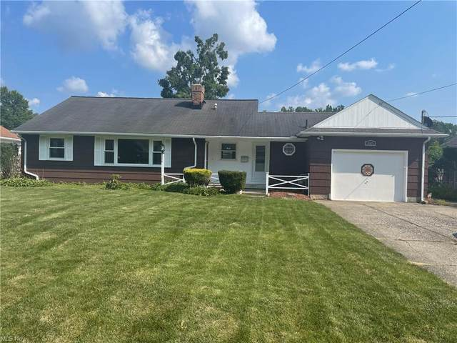 8905 Lindbergh Boulevard, Olmsted Falls, OH 44138 (MLS #4303249) :: The City Team