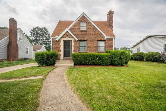1215 Delverne Avenue SW, Canton, OH 44710 (MLS #4303360) :: Keller Williams Legacy Group Realty