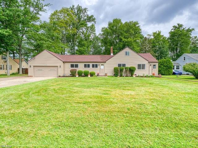 24390 Smith Avenue, Westlake, OH 44145 (MLS #4303376) :: TG Real Estate