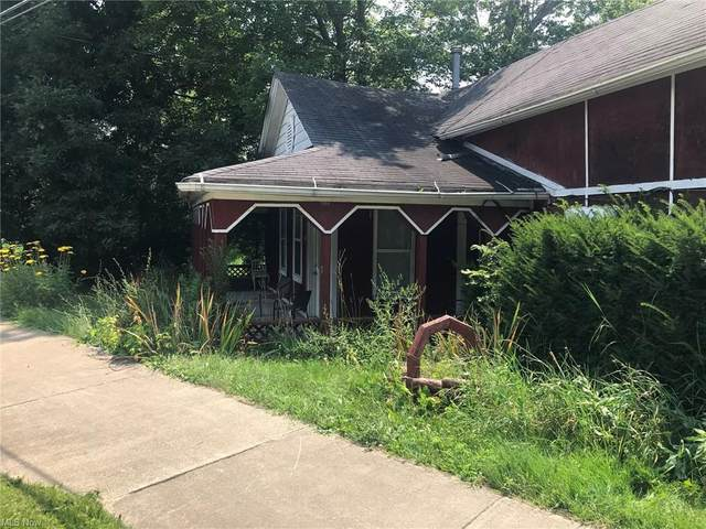 416 5th Street SE, Barberton, OH 44203 (MLS #4303408) :: Keller Williams Legacy Group Realty