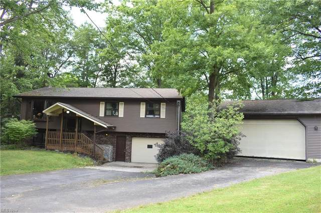 499 Eagle Point, Roaming Shores, OH 44084 (MLS #4304492) :: TG Real Estate