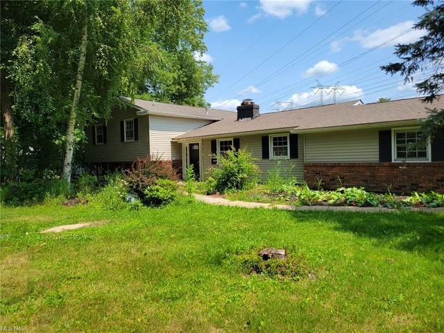 8516 Sugar Tree Drive, Novelty, OH 44072 (MLS #4305338) :: The Holden Agency