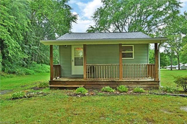 2364 Silver Fox Lane NE, Warren, OH 44484 (MLS #4305575) :: Krch Realty