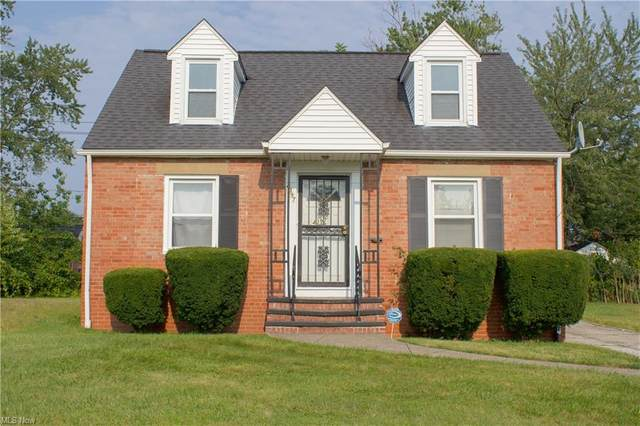 4397 Glenview Road, Warrensville Heights, OH 44128 (MLS #4306648) :: The Holden Agency