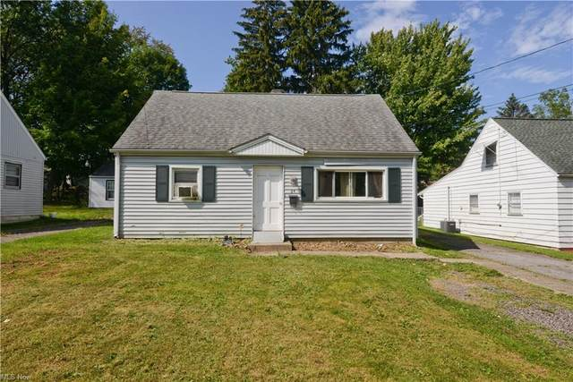 24 N Roanoke Avenue, Youngstown, OH 44515 (MLS #4307062) :: The Holly Ritchie Team
