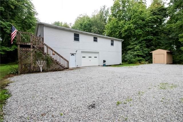 6060 Dalton Fox Lake Road, North Lawrence, OH 44666 (MLS #4308041) :: Keller Williams Chervenic Realty