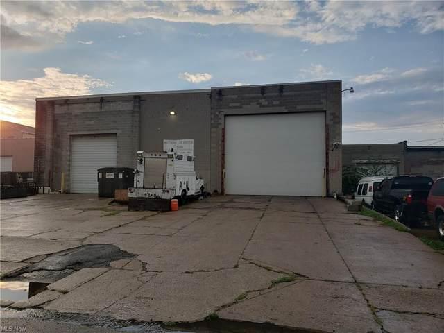 210 W 12th Street, Lorain, OH 44052 (MLS #4308889) :: Keller Williams Legacy Group Realty