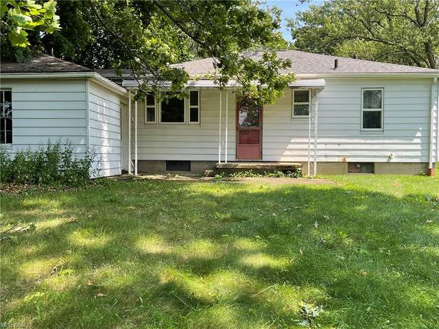 678 Portage Lakes Drive, Akron, OH 44319 (MLS #4309177) :: The Jess Nader Team | REMAX CROSSROADS