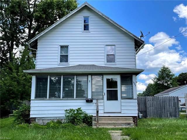 1045 Parkside Avenue, Alliance, OH 44601 (MLS #4310984) :: Keller Williams Chervenic Realty