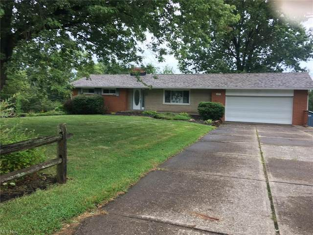 3470 S Mahoning Avenue, Alliance, OH 44601 (MLS #4311174) :: The Holden Agency