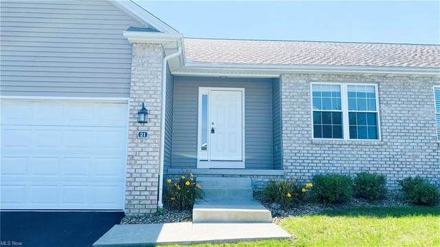 21 Danbury Court NW, Champion, OH 44481 (MLS #4311879) :: The Holden Agency