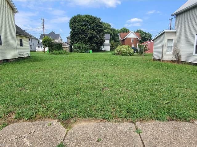 742 Elm Street, Coshocton, OH 43812 (MLS #4312929) :: TG Real Estate
