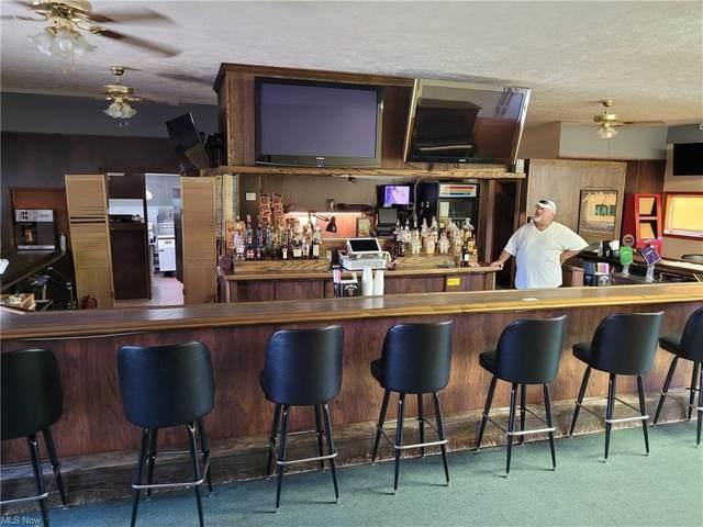 375 Wilson Sharpsville, Warren, OH 44481 (MLS #4313734) :: Keller Williams Chervenic Realty