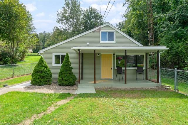16429 Coolidge Street, East Liverpool, OH 43920 (MLS #4314687) :: The Jess Nader Team | REMAX CROSSROADS