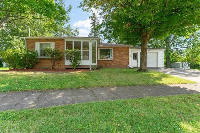 401 E Wilson Avenue, Girard, OH 44420 (MLS #4315278) :: Keller Williams Chervenic Realty