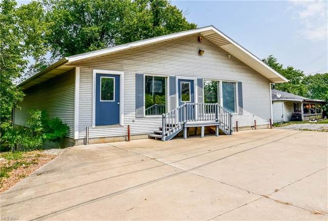 3251 Coral Road NW, Malvern, OH 44644 (MLS #4315472) :: TG Real Estate