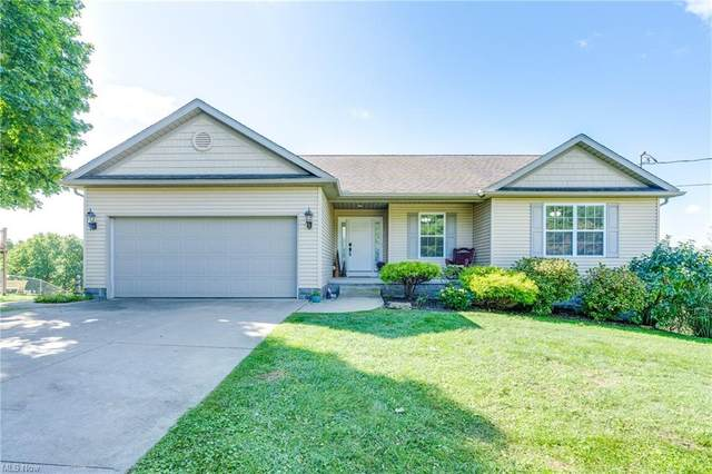 2 Sanchez Trail, Malvern, OH 44644 (MLS #4315631) :: Simply Better Realty