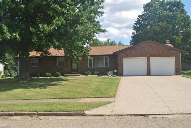 1522 View Pointe Avenue, Louisville, OH 44641 (MLS #4315640) :: Tammy Grogan and Associates at Keller Williams Chervenic Realty