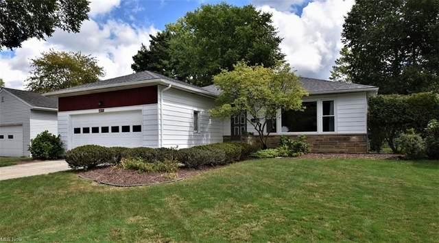 1015 Hanley, Lyndhurst, OH 44124 (MLS #4315708) :: The Art of Real Estate