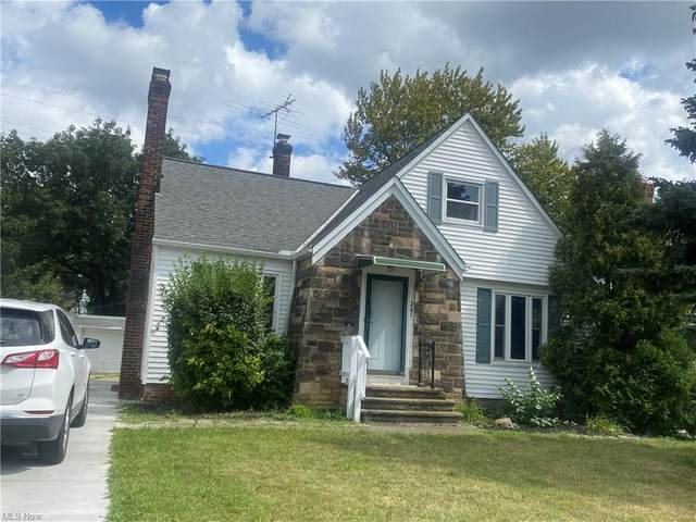 261 E 232nd Street, Euclid, OH 44123 (MLS #4315793) :: The Holden Agency