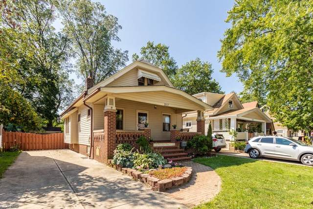 3217 Archmere, Cleveland, OH 44109 (MLS #4316794) :: The Holly Ritchie Team