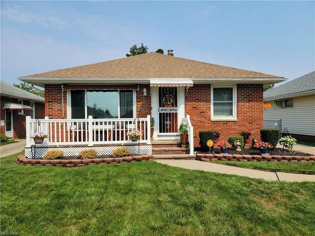 12121 Grannis Road, Garfield Heights, OH 44125 (MLS #4318144) :: TG Real Estate