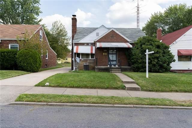 208 Cornelia Avenue NE, Canton, OH 44704 (MLS #4318308) :: The Holden Agency