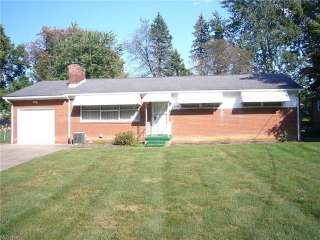 4824 Meadowlane Drive NW, Canton, OH 44709 (MLS #4318342) :: The Jess Nader Team | REMAX CROSSROADS