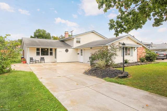 25188 Chase Drive, North Olmsted, OH 44070 (MLS #4318353) :: The Jess Nader Team | REMAX CROSSROADS