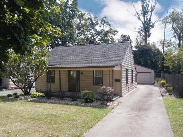 1957 Ridgelawn Avenue, Youngstown, OH 44509 (MLS #4318555) :: TG Real Estate