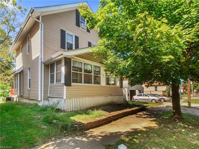 2300 26th Street SW, Akron, OH 44314 (MLS #4318619) :: The Holden Agency