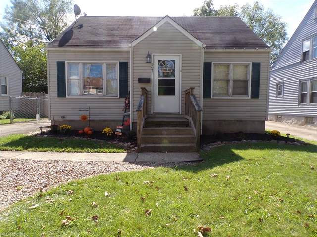 2041 Everett Avenue, Poland, OH 44514 (MLS #4318922) :: The Holly Ritchie Team