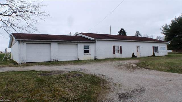 4870 East Pike, Zanesville, OH 43701 (MLS #4319115) :: The Jess Nader Team | REMAX CROSSROADS