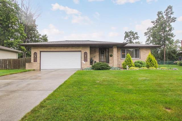 6901 Night Vista Drive, Parma, OH 44129 (MLS #4319380) :: The Holden Agency