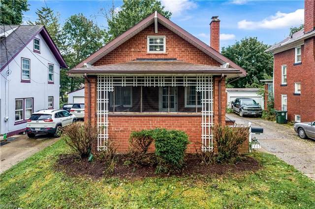 1802 40th Street NW, Canton, OH 44709 (MLS #4319687) :: The Holden Agency
