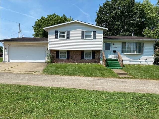 220 W 11th Street, Uhrichsville, OH 44683 (MLS #4319990) :: Keller Williams Legacy Group Realty