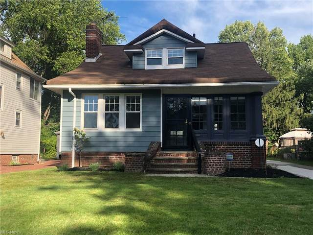 877 Roanoke Road, Cleveland Heights, OH 44121 (MLS #4320090) :: The Holly Ritchie Team
