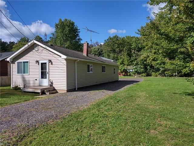 17466 Lakewood Avenue, Lake Milton, OH 44429 (MLS #4321488) :: Jackson Realty