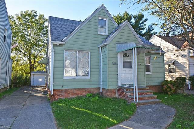 5206 Joseph Street, Maple Heights, OH 44137 (MLS #4322041) :: The Holly Ritchie Team