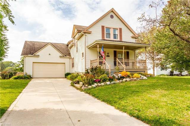 6560 Barton Road, North Olmsted, OH 44070 (MLS #4322492) :: Tammy Grogan and Associates at Keller Williams Chervenic Realty