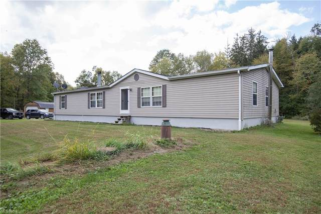 4350 County Line Turnpike Road, Southington, OH 44470 (MLS #4322870) :: Jackson Realty