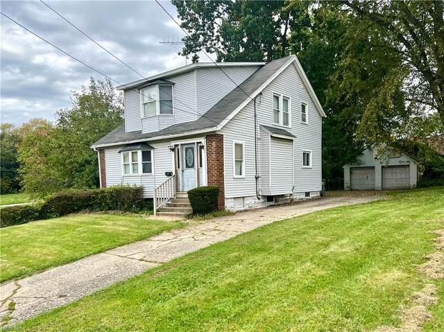316 E Florida Avenue, Youngstown, OH 44507 (MLS #4323933) :: The Holly Ritchie Team