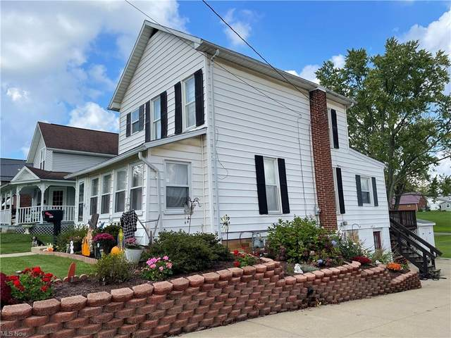290 2nd Street NW, Carrollton, OH 44615 (MLS #4324151) :: The Holly Ritchie Team