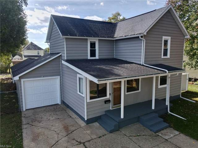 150 Park Avenue NW, New Philadelphia, OH 44663 (MLS #4324781) :: RE/MAX Trends Realty