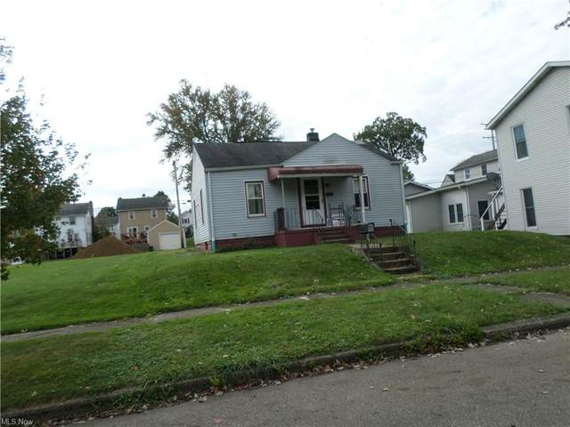 184 Main Street SW, Brewster, OH 44613 (MLS #4326204) :: Tammy Grogan and Associates at Keller Williams Chervenic Realty