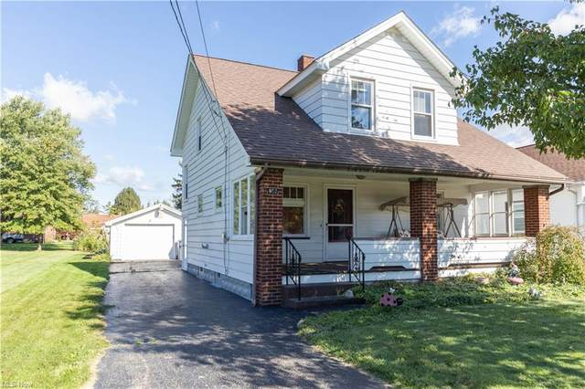 952 E Philadelphia Avenue, Youngstown, OH 44502 (MLS #4326791) :: The Holly Ritchie Team