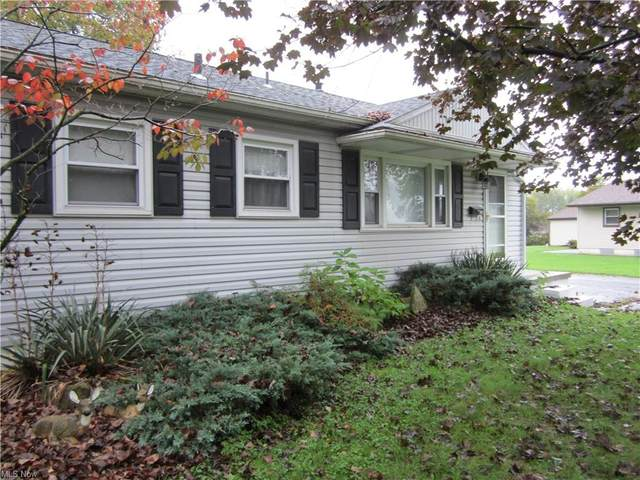864 Waugh Drive, Hubbard, OH 44425 (MLS #4327189) :: The Holly Ritchie Team